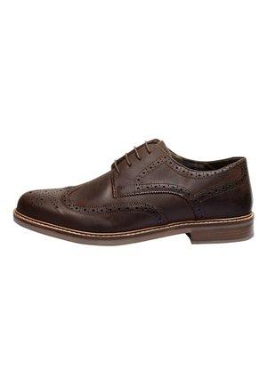 TAN WAXY FINISH BROGUE  - Casual lace-ups - brown