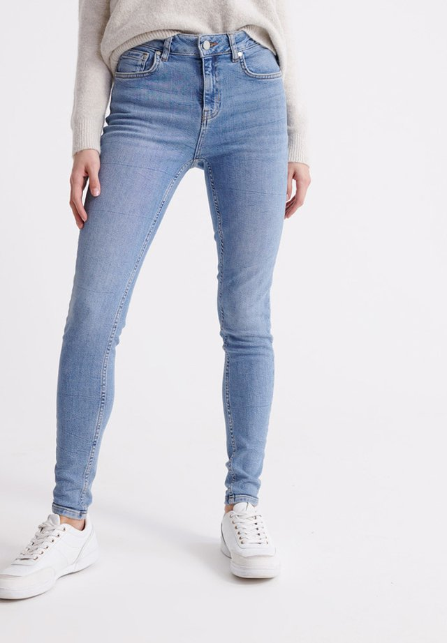 SUPERDRY MID RISE SKINNY JEANS - Jeans Skinny Fit - mid indigo aged