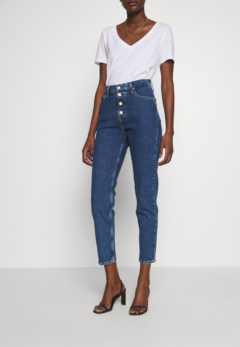 Calvin Klein Jeans - MOM - Jeansy Relaxed Fit - dark blue stone