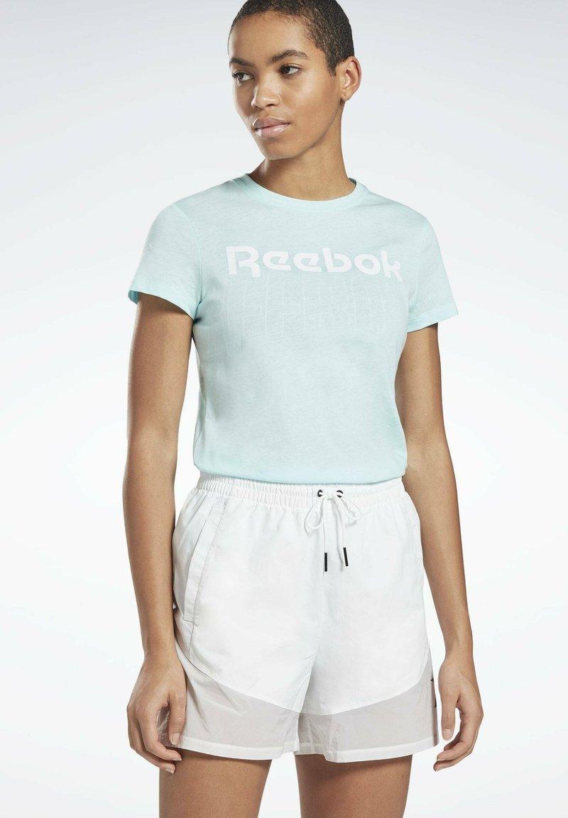 Reebok - ESSENTIALS TRAINING SHORT SLEEVE GRAPHIC - T-shirt z nadrukiem - blue