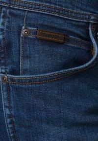 Wrangler - ARIZONA STRETCH - Straight leg -farkut - burnt blue - 5