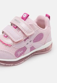 Geox - TODO GIRL - Trainers - pink - 5
