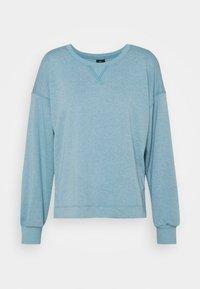 cerulean/light armory blue