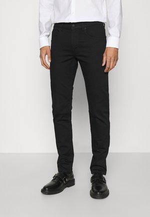 JAY REACTIVE - Slim fit jeans - black