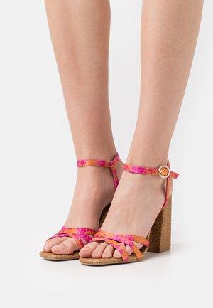 KASIRAS - Sandals - pink