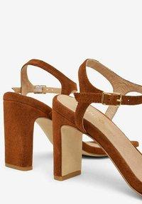 Bianco - BIADEEDEE - High heeled sandals - cognac - 5