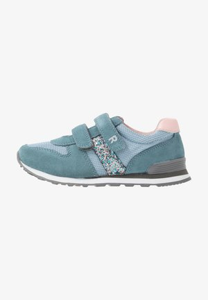 Trainers - sky/silver/candy