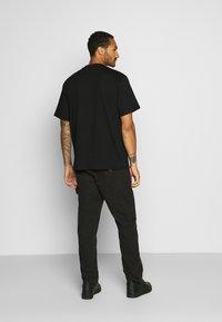 Karl Kani - RETRO TEE - Basic T-shirt - black - 2