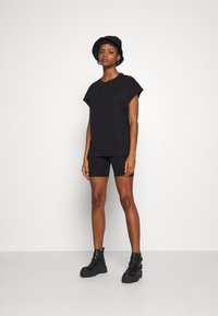 Weekday - BREE - Basic T-shirt - black - 1