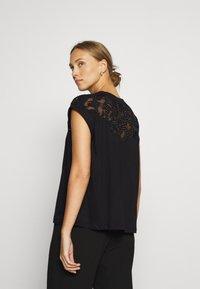 Desigual - LISBOA - Basic T-shirt - black - 2