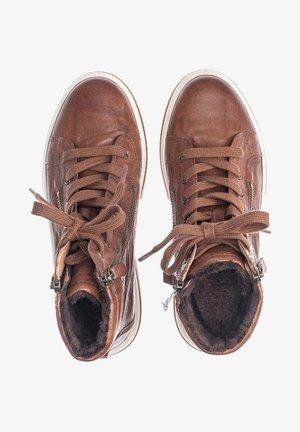 High-top trainers - braun
