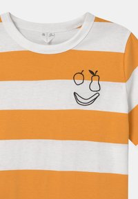 ARKET - T-shirt print - yellow - 2