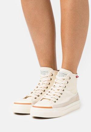 SQUARE - Sneakers alte - ecru