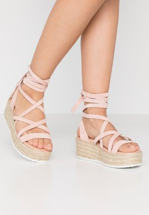Loafers - nude