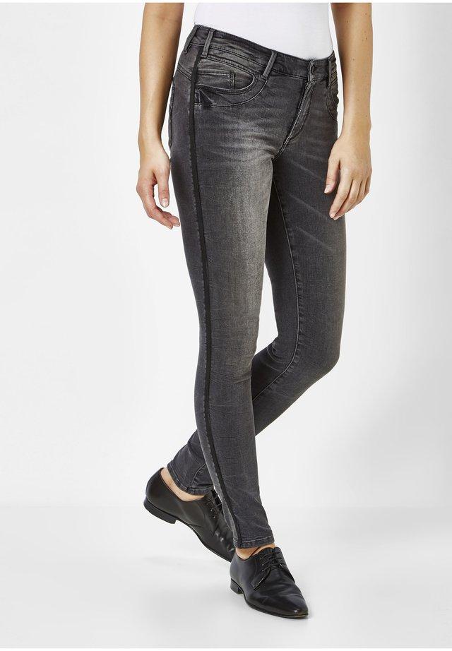 LUCI - Jeans Skinny Fit - medium grey