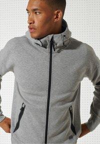 Superdry - Zip-up hoodie - grey marl - 2