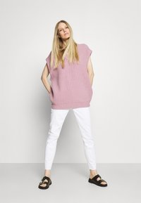 Marc O'Polo DENIM - ALVA - Jeans Tapered Fit - bright white - 1