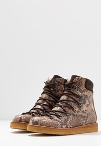 ANGULUS - Lace-up ankle boots - beige - 4