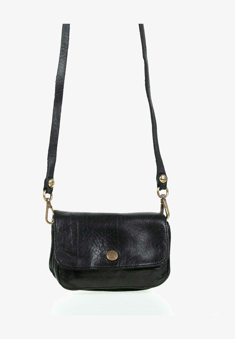 Campomaggi - Across body bag - black