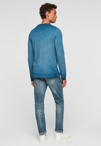 QS by s.Oliver - MIT RELIEFDRUCK - Long sleeved top - blue - 2