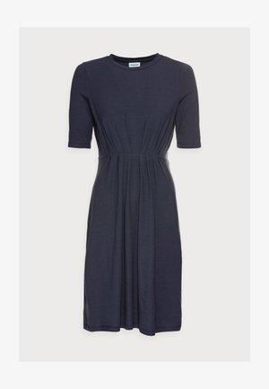 VMNAVA O-NECK DRESS - Jersey dress - night sky