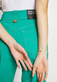 Versace Jeans Couture - LADY TROUSER - Džíny Straight Fit - pure mint - 3