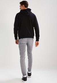 adidas Originals - TREFOIL  - Sweat à capuche - black - 2