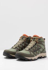 Columbia - PEAKFREAK X2 MID OUTDRY - Hiking shoes - hiker green/cedar - 2