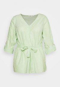 light green/white