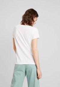 TOM TAILOR DENIM - PRINTED STRIPE SLUB TEE - T-shirt med print - off white/multicolor - 2