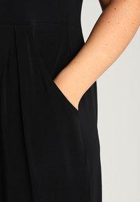 Zalando Essentials Curvy - Robe en jersey - black - 4