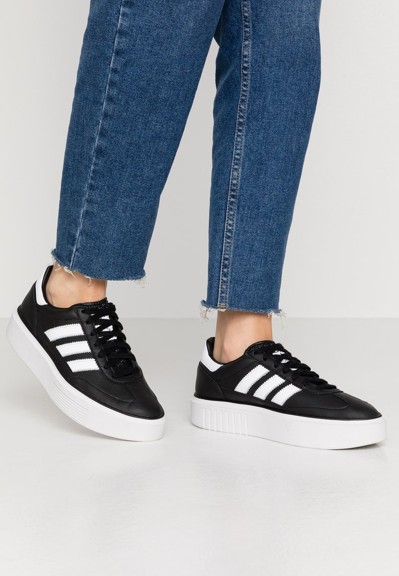 adidas Originals - SLEEK SUPER 72 - Sneakers - core black/footwear white/crystal white