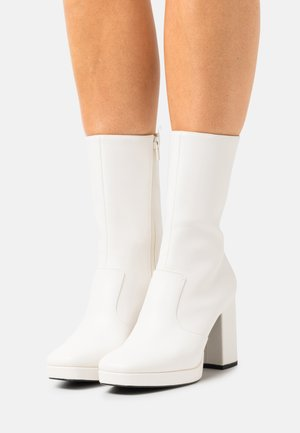 ELLEN BOOT VEGAN - High heeled ankle boots - white