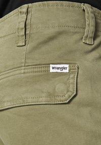 Wrangler - CASEY - Cargo trousers - lone tree green - 5
