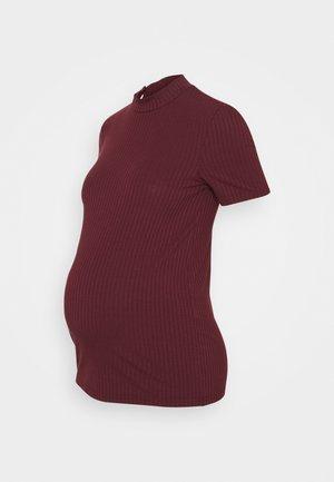 PCMKYLIE T-NECK - T-shirt print - red mahogany
