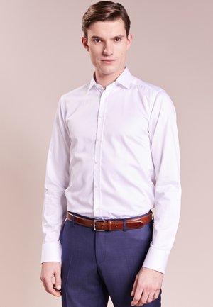 IVER - Kostymskjorta - white