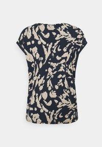 Vero Moda - VMAVA PLAIN - Camiseta estampada - navy blazer/hailey - 1