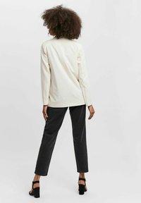 Vero Moda - VMZELDA - Short coat - birch - 2