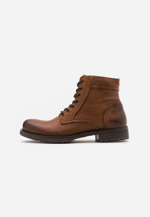 JFWANGUS - Lace-up ankle boots - cognac