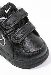 Nike Performance - PICO 4 - Sportovní boty - black/metallic silver - 5