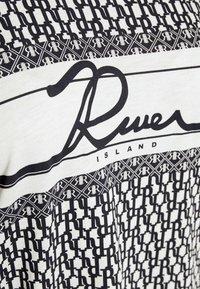 River Island Plus - Print T-shirt - navy - 4
