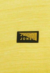 Jack & Jones - SLIM FIT - Print T-shirt - yellow - 6