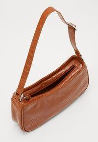 Monki - ODESSA BAG - Käsilaukku - brown - 2