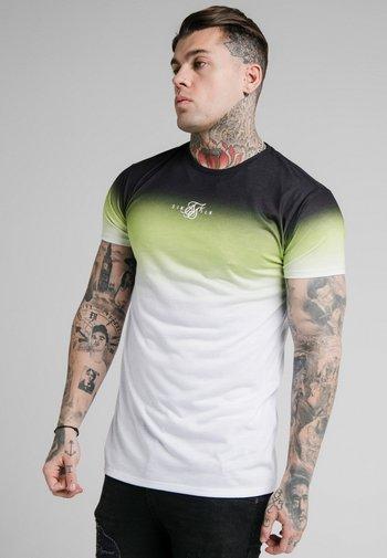 SIKSILK HIGH FADE TEE - Print T-shirt - tri neon
