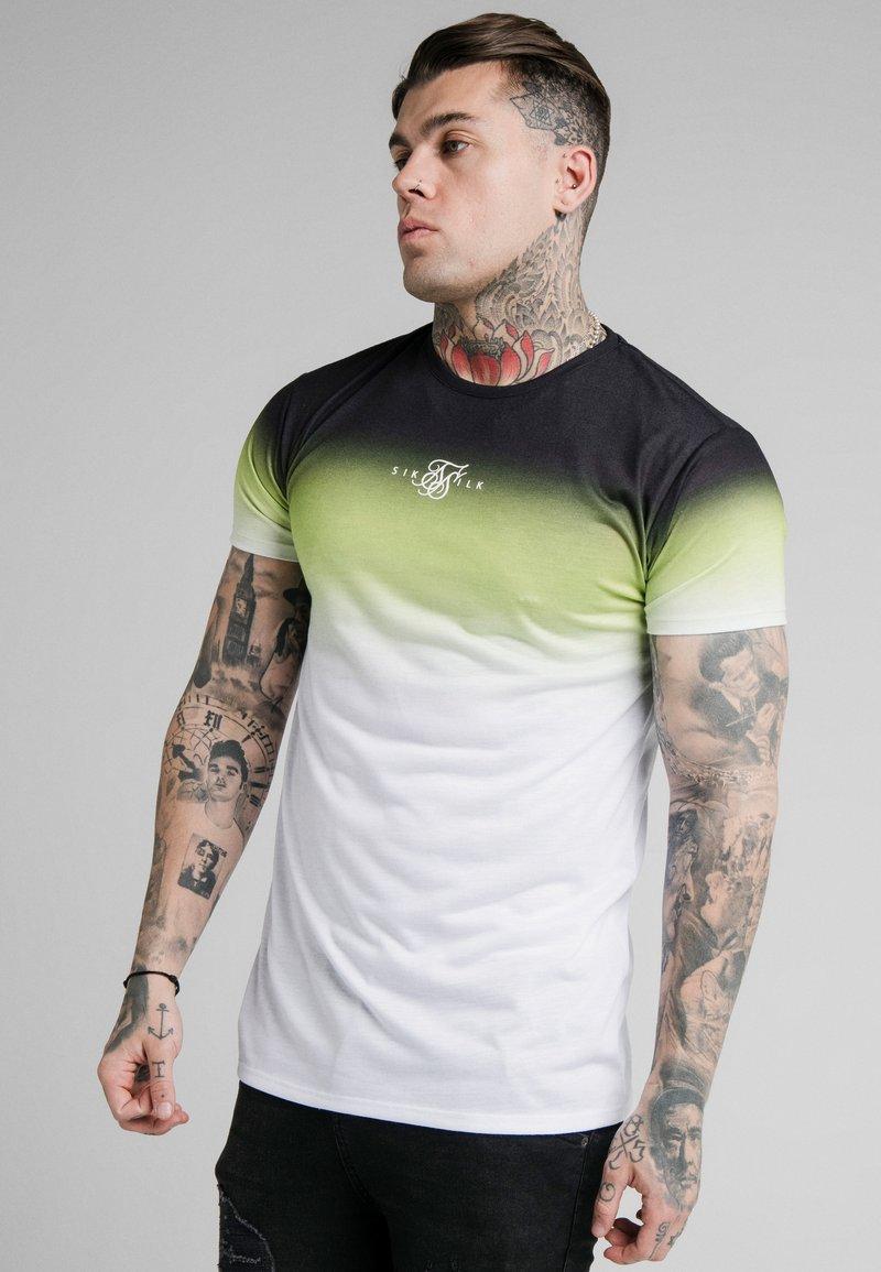 SIKSILK - SIKSILK HIGH FADE TEE - Print T-shirt - tri neon