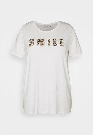KCEMMATI - Print T-shirt - chalk