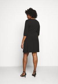 CAPSULE by Simply Be - TWIST FRONT SWING DRESS - Žerzejové šaty - black - 2
