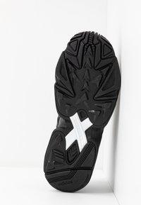 adidas Originals - FALCON 2000  - Joggesko - core black - 8