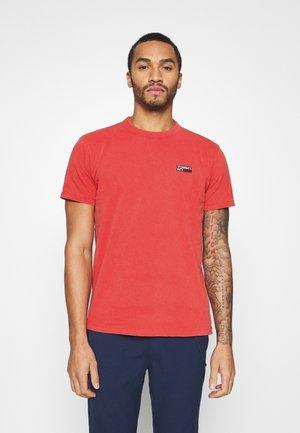 TJM WASHED LOGO TEE - T-shirt basic - deep crimson