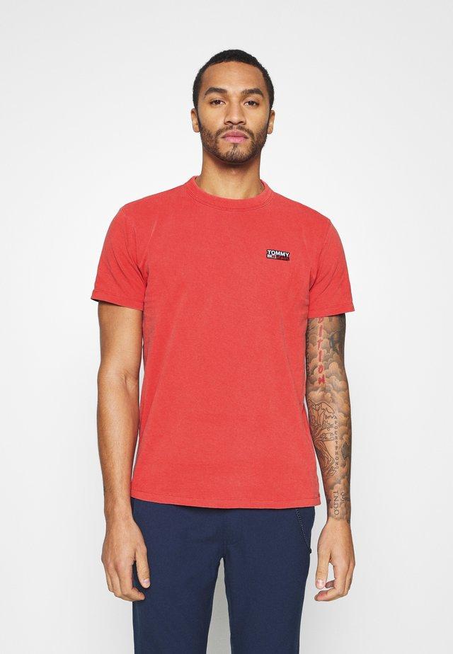 TJM WASHED LOGO TEE - T-shirt basique - deep crimson